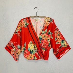 Flying Tomato Kimono sleeve v-neck floral blouse